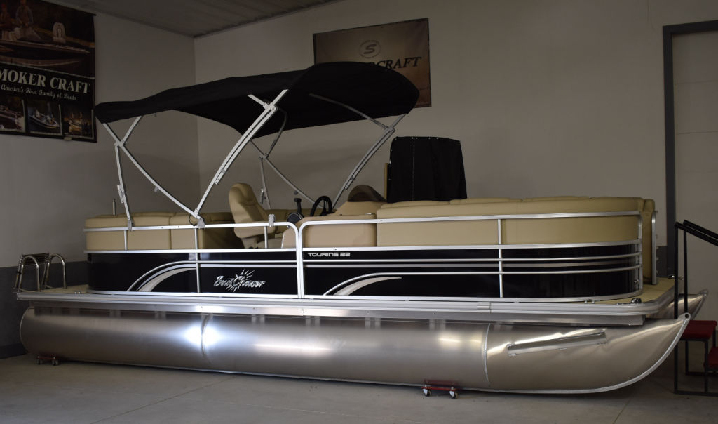 2016 SunChaser Touring 8522 Lounger Tri-Toon  SOLD!!!
